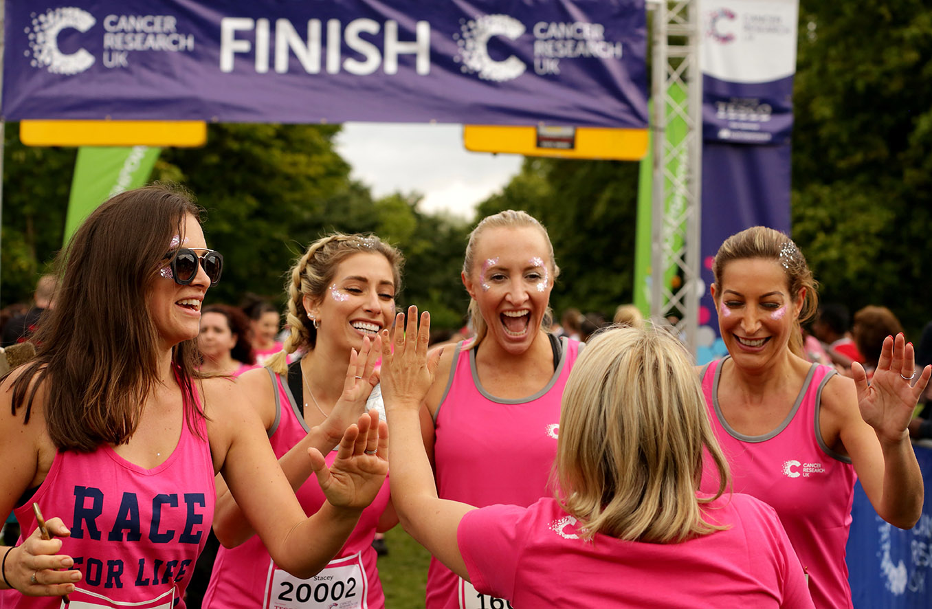 STACEY SOLOMON AND GAME OF THRONES STAR LAURA PRADELSKA TAKE PART IN CANCER RESEARCH UK'S RACE FOR LIFE 1