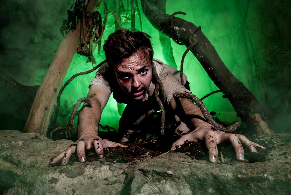 DARE YOU TAKE ON HOWL'O'WEEN AT CHESSINGTON? 1