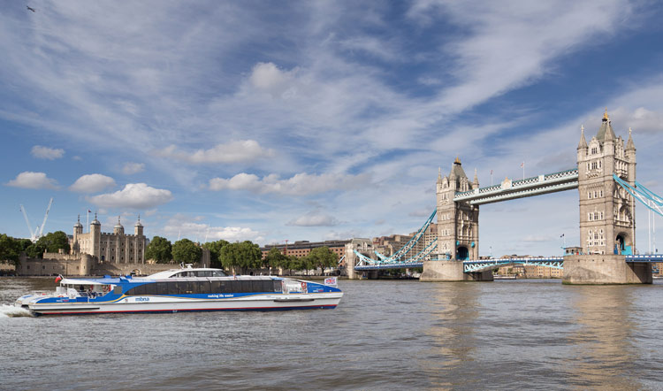 MBNA Thames Clippers hosts an evening of new poetry on the Thames with Boat Poets: River Lates