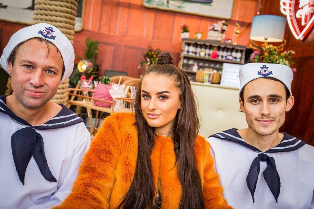 Amber Davies sets sail for her own love island at TheYachtMarket.com Southampton Boat Show 1