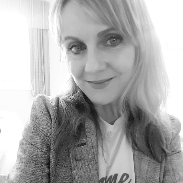 Lisa govier moda director of footwear 1