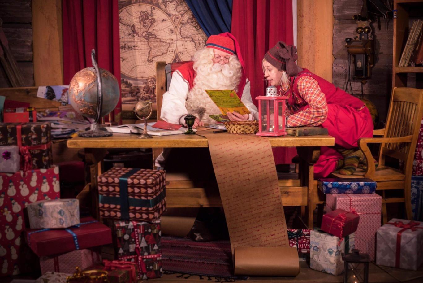 Samsung brings families to santa claus to rovaniemi