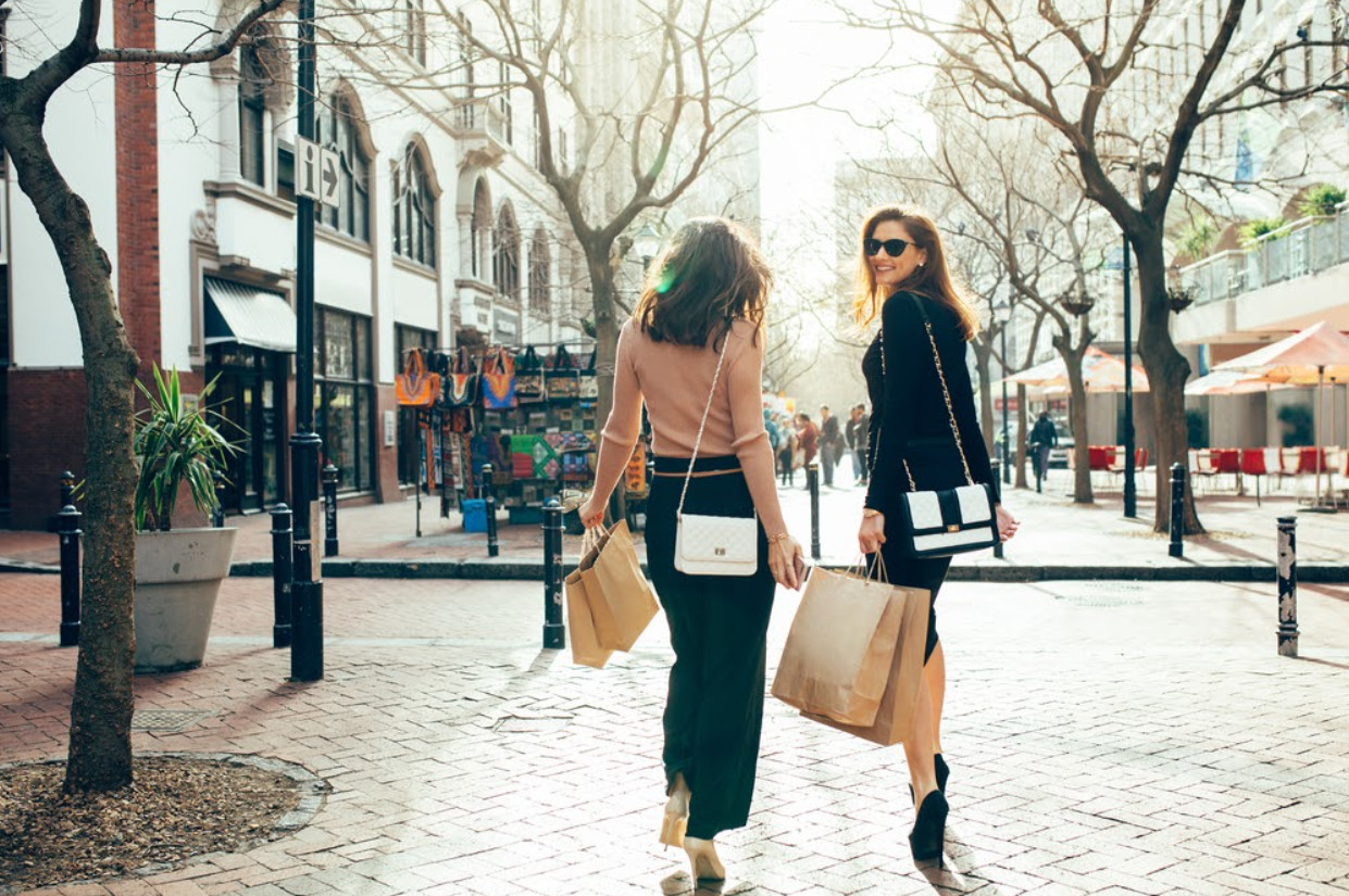 Can clothing, bags and accessories be considered an investment