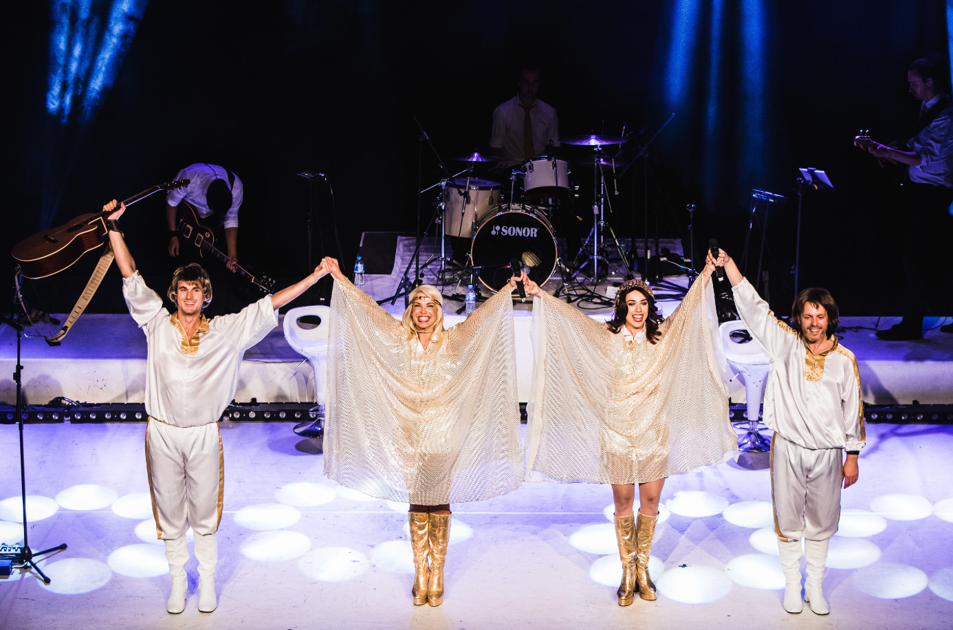 Abba mania, shaftesbury theatre (west end), 21 may 6 june