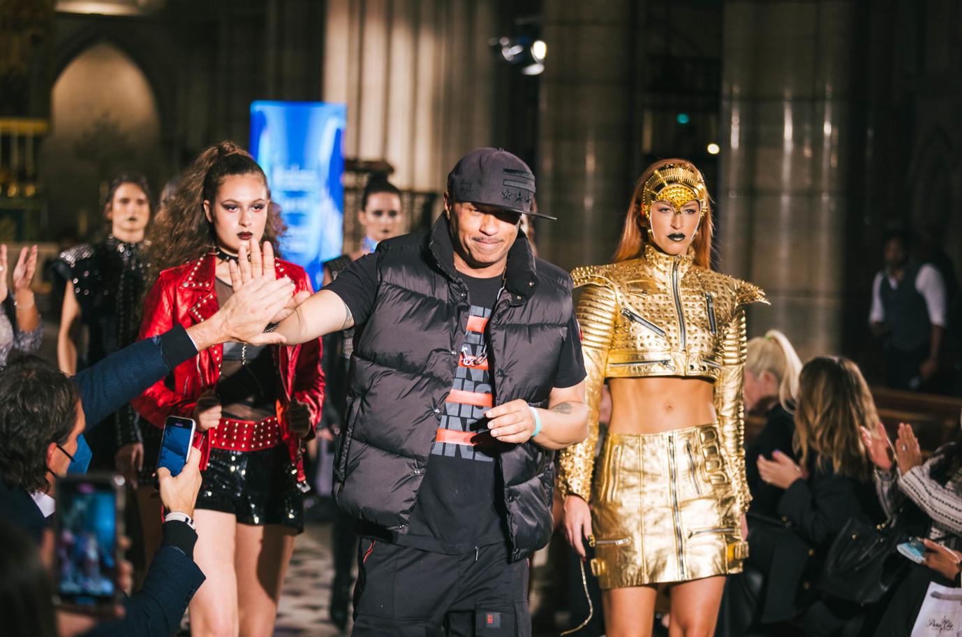 Celebrity fashion designer michael lombard steals the show at paris fashion week